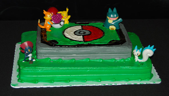http://pocketmonsters.co.il/wp-content/uploads/2011/09/Pokemon_cake_by_fireflyflashes.jpg