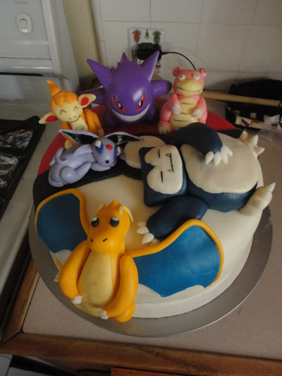http://pocketmonsters.co.il/wp-content/uploads/2011/09/pokemon-cake-snorlax-charizard.jpg